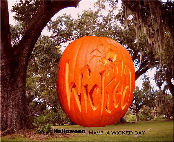 Marian Hebert - Happy Halloween