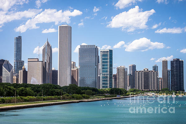 Hi-res Picture Of Chicago Skyline And Lake Michigan Print by Paul Velgos