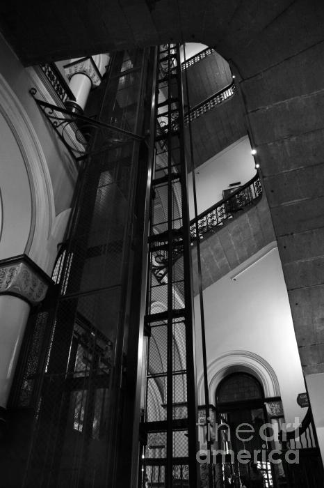 Hideaki Sakurai - Historic Elevator