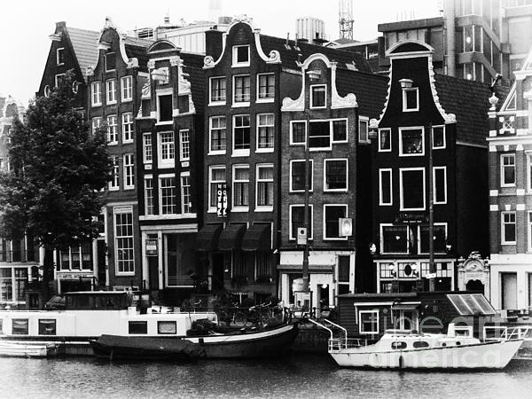 Homes Of Amsterdam Print by Leslie Leda