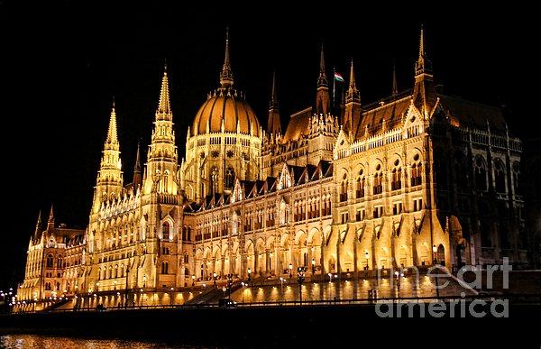 Mariola Bitner - Hungarian Parliament Building