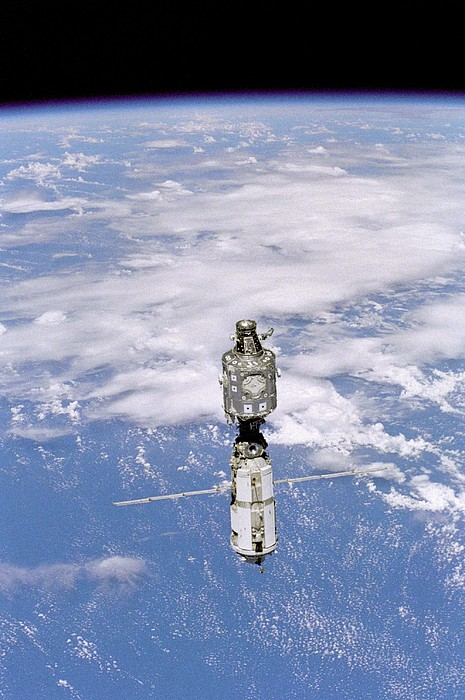 International Space Station In 1999 Print by Everett