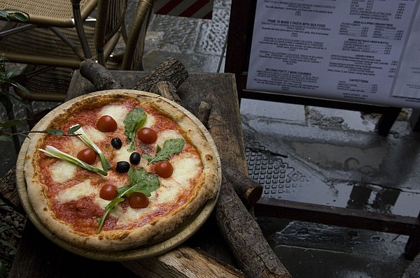 Italy, Tuscany, Florence, A Pizza Print by Keenpress