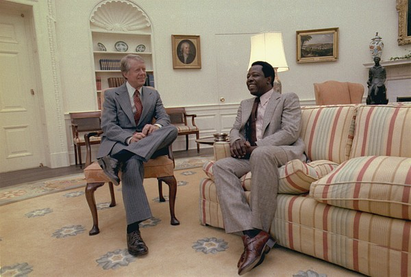 Jimmy Carter Chatting With Hank Aaron Print by Everett