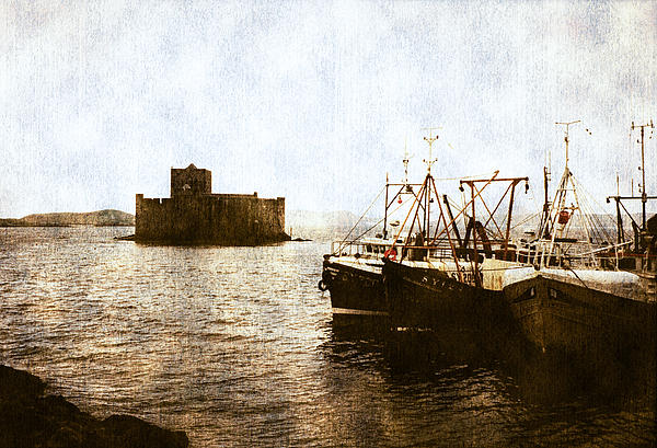 Kisimul Castle Scotland Print by Jasna Buncic