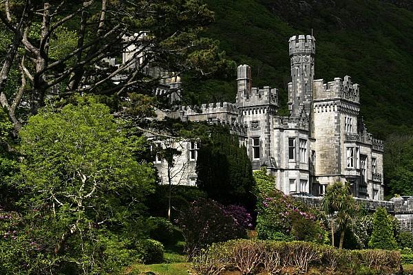 Kylemore Abbey, Connemara, County Print by Peter Zoeller