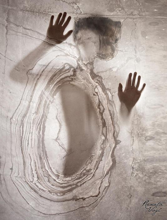 Renata Vogl - Let Me Out ....