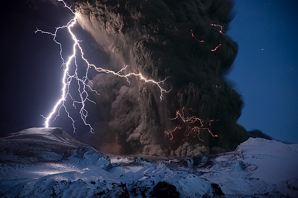Sigurdur H. Stefnisson - Lightning Pierces The Erupting
