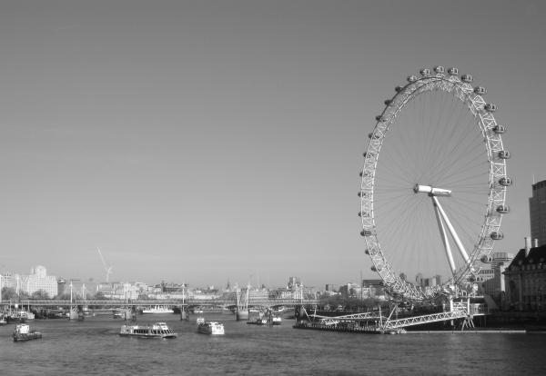 london eye black and - photo #5