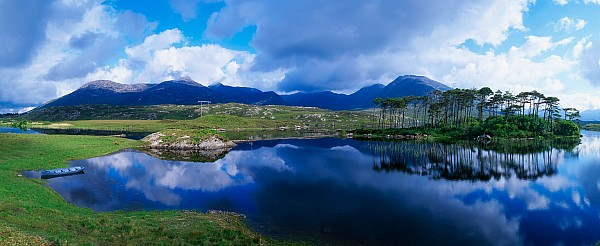 Lough Derryclare, Connemara, Co Galway Print by The Irish Image Collection