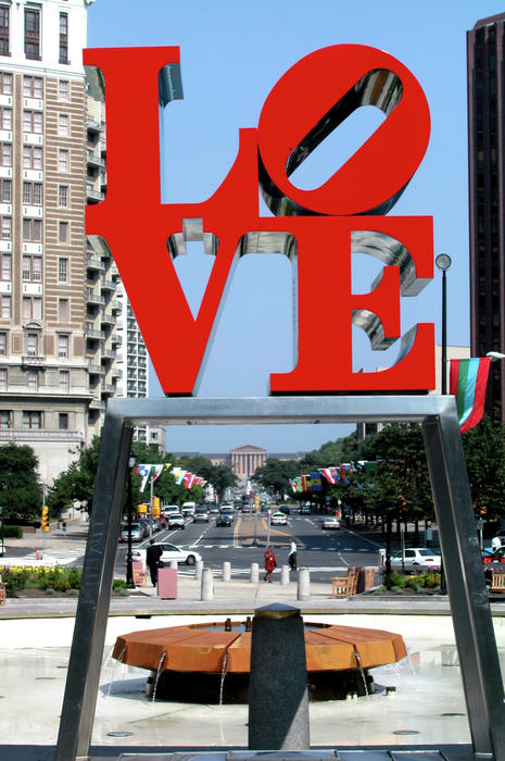 Love Sculpture In Philadelphia Print by Carl Purcell