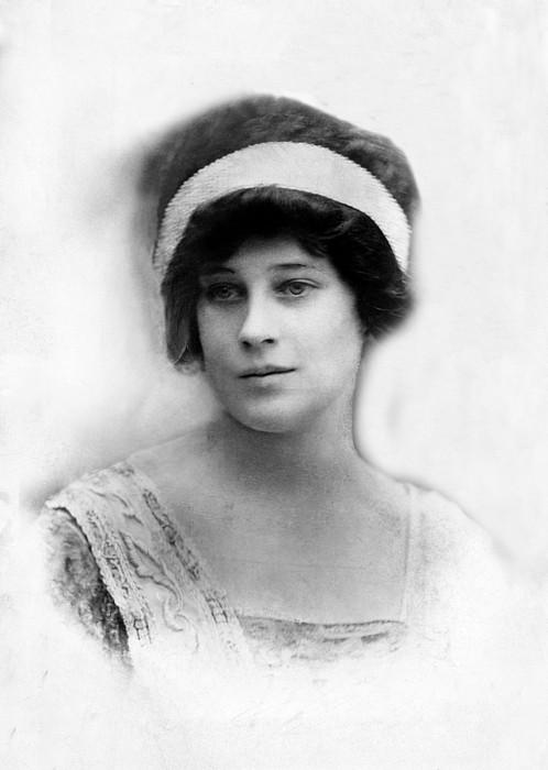 Madeleine Astor 1893-1940, Wife Of John Print by Everett