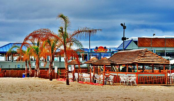 Martells On The Beach - Jersey Shore Photograph