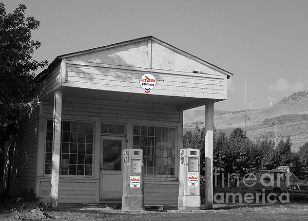 Charles Robinson - Maryhill Service Station