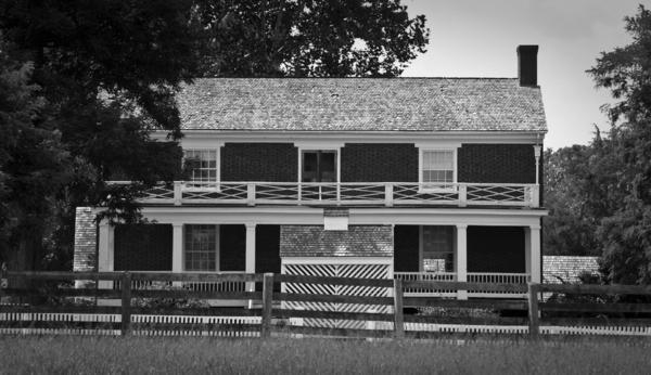 Mclean House Bw Appomattox Virgnia Print by Teresa Mucha
