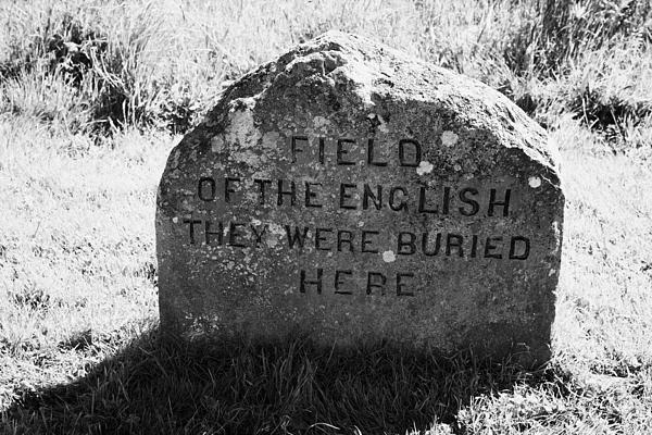 memorial stone for the dead english on Culloden moor battlefield site highlands scotland Print by Joe Fox