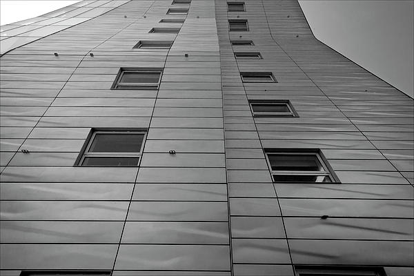 Modern Building Chelsea Nyc 4 Print by Robert Ullmann