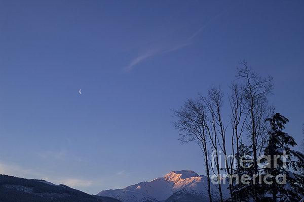 Moon And Alpenglow Print by Yuichi Takasaka