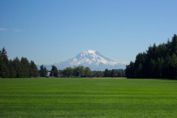 Victor Hernandez - Mount Rainier from Fort Lewis