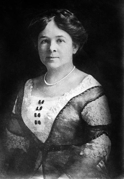 Mrs. Henry Ford, Nov 24, 1915 Print by Everett