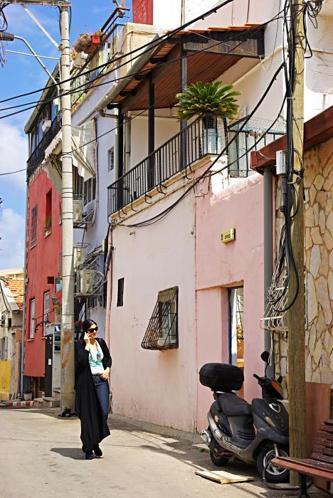 Neve Tzedek Neighborhood In Tel Aviv Print by Zalman Lazkowicz