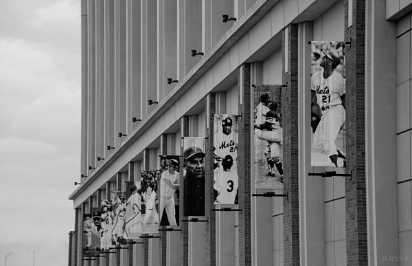 New York Mets Of Old  In Black And White Print by Rob Hans