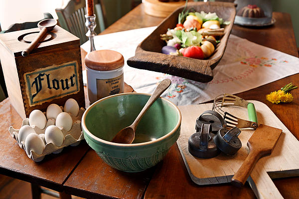 Carmen Del Valle - Nostalgic Kitchen Wares