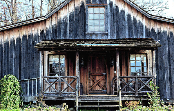 Old Log House2 Print by Sandi OReilly