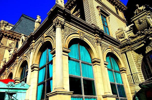 Linda Edgecomb - Paris Window Treatments