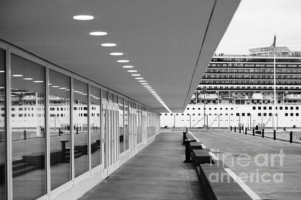 Passenger Terminal Print by Gaspar Avila