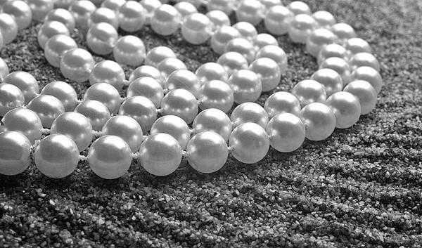 Pearls And Sand Print by Gabriela Insuratelu