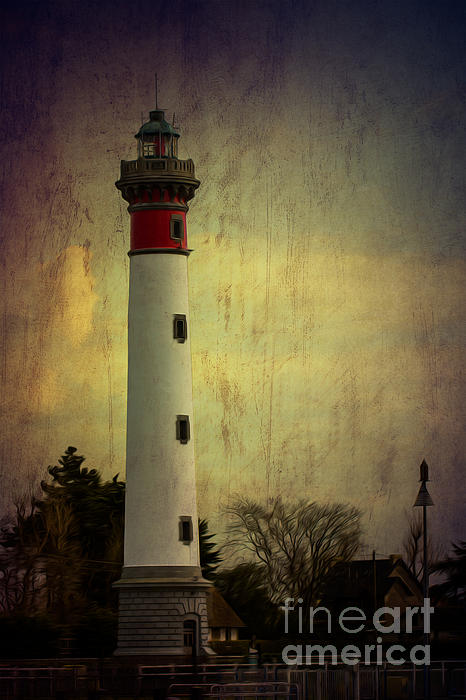 Clare Bambers - Phare de Ouistreham or Ouistreham Lighthouse    Caen