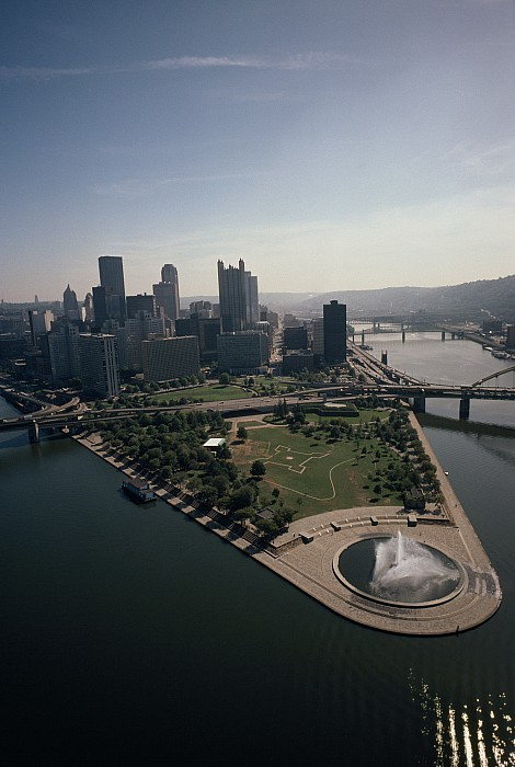 Pittsburgh And The Confluence Print by Lynn Johnson