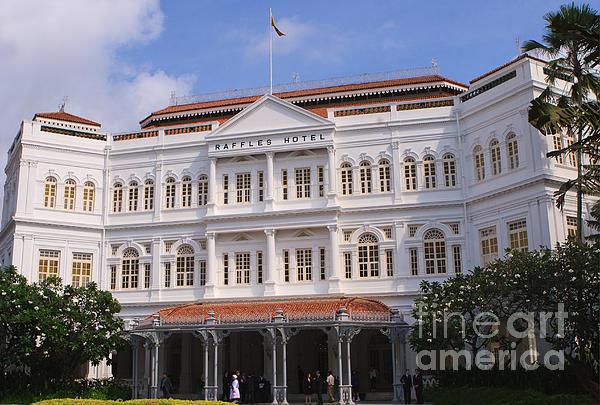 Raffles Hotel - Singapore Print by Pete Reynolds