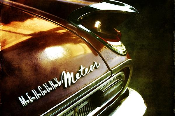 Red Mercury Meteor Photograph