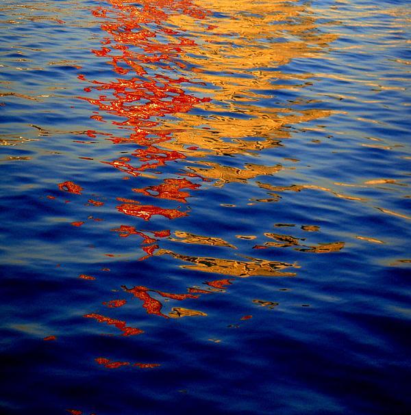 Reflections On Kobe Print by Roberto Alamino