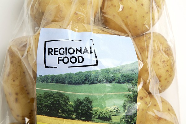 Regional Food Print by Victor De Schwanberg