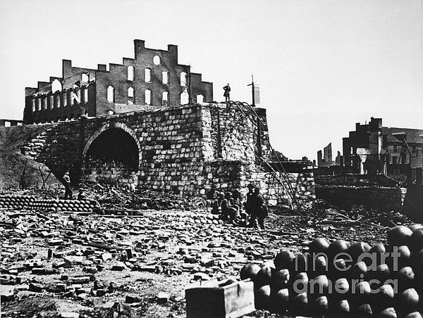 Ruins Print by Photo Researchers