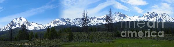 J J - Sawtooth Mountain Range Panorama - Magnificent Outdoors