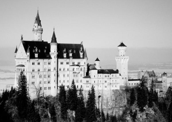 Schloss Neuschwanstein Print by Juergen Weiss