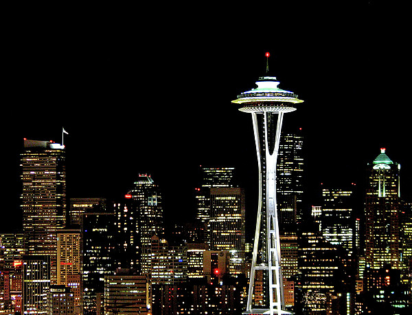 Seattle Skyline With Space Needle Print by Tim Ford