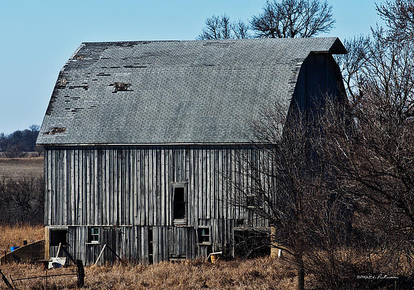 Simple Barn Photograph