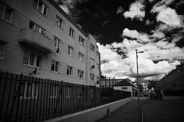 Social Housing Development Pearse House In Dublins Lower Sandwith Street Inner City Dublin Print by Joe Fox