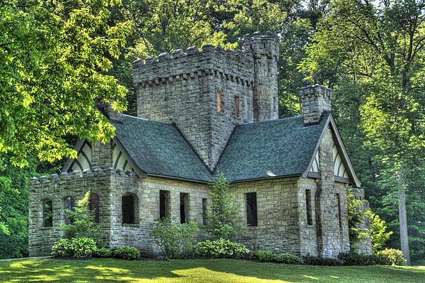 Squires Castle Print by Rick Buzalewski