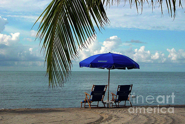 Susanne Van Hulst - Sunday Morning at the Beach in Key West