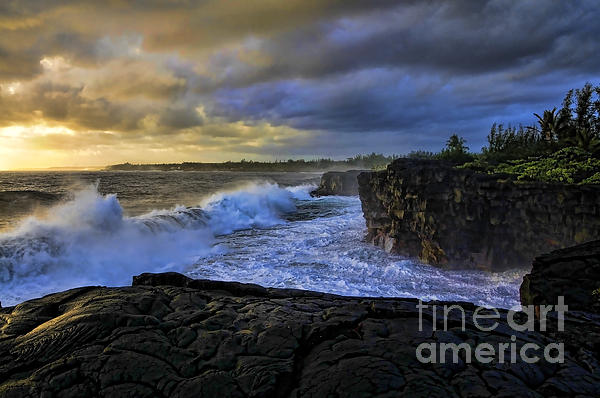 Gary Beeler - Sunrise near Hilo Hawaii