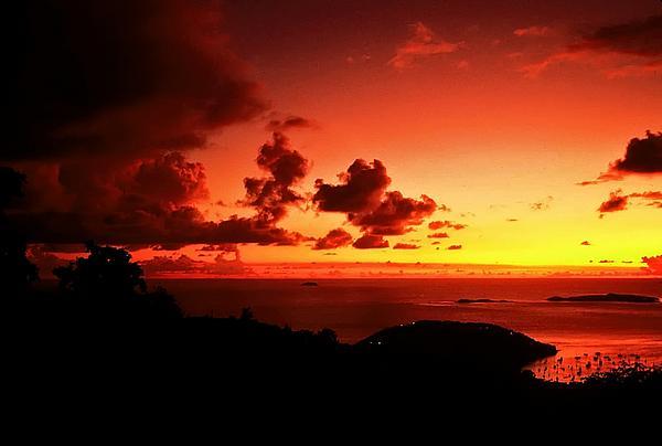 Sunset In The Islands Print by Bill Jonscher