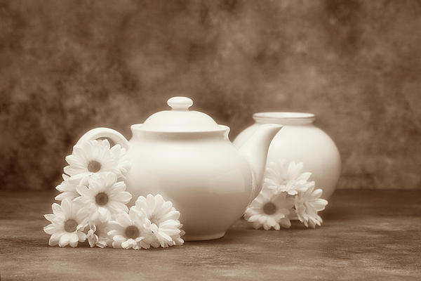 Teapot With Daisies I Print by Tom Mc Nemar