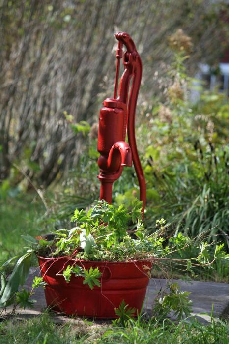 1000 images about yard waterfalls on pinterest old for Garden water pump