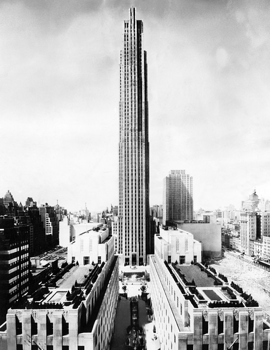 The Rca Building In Rockefeller Center Print by Everett